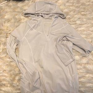 LULULEMON 🍋 water bound hoodie sz 6